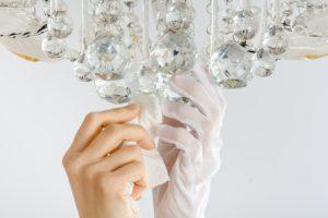 Kronleuchter richtig reinigen: so gelingt die einfache und schnelle Reinigung
